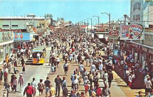 Wildwood-By-The Sea NJ Busy Day on The Boardwalk Shops Postcard