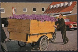 Netherlands Postcard - Aalsmeer - On The Way To The Auction  E978