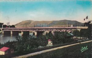 France Hendaye Le Pont International et le Mont Jaizquibel Photo