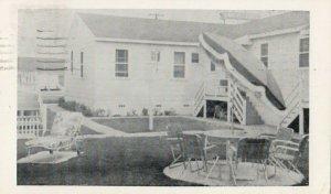 WILDWOOD , New Jersey, 1956 ; Cozy Courts
