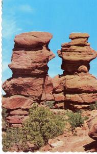 US    PC1059  SIAMESE TWINS, GARDEN OF THE GODS, NEAR PIKES PEAK, CO