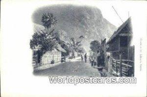 Une rue de Muong Ngoi, Haut-Laos Haut-Laos Vietnam, Viet Nam Unused