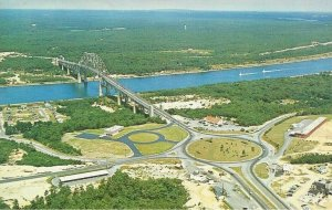 Postcard - MA - Massachusetts - Cape Cod Canal at Bourne Bridge