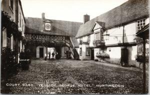 Court Yard Ye Old George Hotel Huntingdon UK UNUSED Real Photo Postcard D90