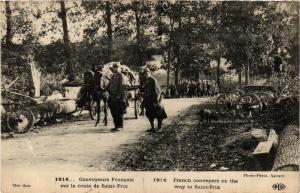 CPA Militaire - Convoyeurs Francais sur la route de Saint-Prix (697595)