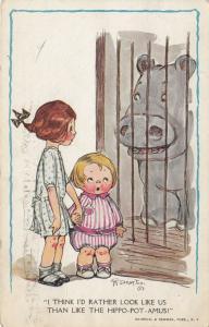 Grace DRAYTON-WIDERSEIM, 1915; Little girls looking at Hippopotamus