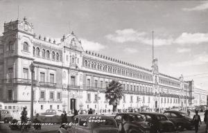 RP: Palacio Nacional , Mexico City , Mexico , 30-40s
