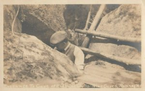 RP; ROMNEY , New Hampshire , 1900-10s ; Entrance to Cave of Eternal Chills