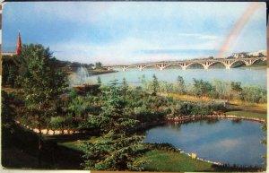 Canada Sunken gardens and Saskatchewan River Bessborough Hotel - posted