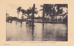 DAHOMEY , Inondations du COTONOU [Flood] . 1925 : Un Carrefour