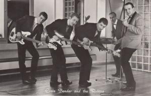 CPA Artiste Cinema Film Ernie Bender and The Robins (95153)