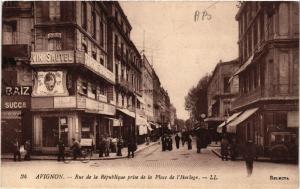 CPA AVIGNON - Rue de la Republique prise de la Place de l'Horloge (511620)