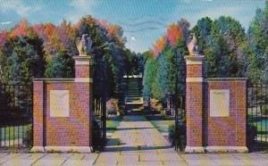 New York Millbrook Entrance To The Tribute Garden 1959