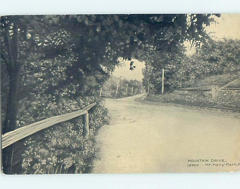 Divided-Back ROAD OR STREET SCENE Mount Holly Springs - Near Carlisle PA hJ5801