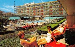 MARRIOTT MOTOR HOTEL Washington, D.C. Swimming Pool ca 1960s Vintage Postcard