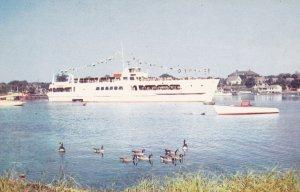 HYANNIS , Cape Cod , Massachusetts , 50-60s ; Steamer Siasconset Leaving