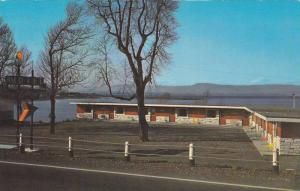 Exterior,  Motel & Restaurant De La Plage,   Montmagny,  Quebec,  Canada,  PU...