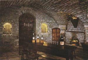 France Beaune Cave typique