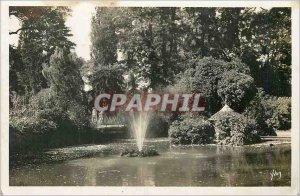 Postcard Moderne Vichy La Douce France The new park