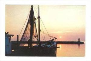 Beautiful Sunset Scene at Hatteras Harbor, Hatteras, North Carolina, 40-60s
