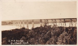 RP: C.P. Railroad Bridge, OUTLOOK , Saskatchewan , Canada , PU-1924