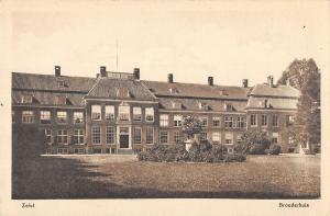 B106128 Netherlands Zeist Broederhuis