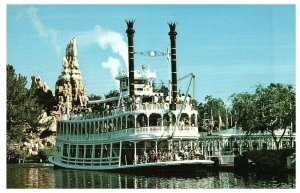 Vintage Disneyland Frontierland Postcard Mark Twain Steamboat Gatherin' Steam