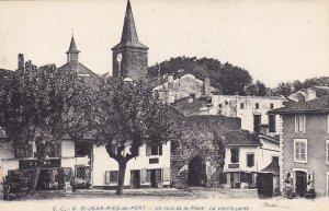 ST.-JEAN-PIED-de-PORT, France, 1900-10s; Un coin de la Place - Le vielle porte
