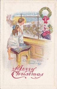 Christmas Santa Claus Waving At Children