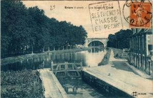 CPA BRIARE Les Bords du Canal (607446)