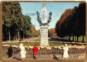 France Lourdes The Crown Virgin La Vierge Couronnee Statue Postcard