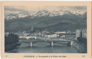 France, GRENOBLE, Vue generale et la Chaine des Alpes, unused Postcard