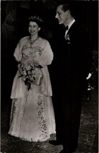 CPM AK Queen Elizabeth II Prince Philip BRITISH ROYALTY (678409)