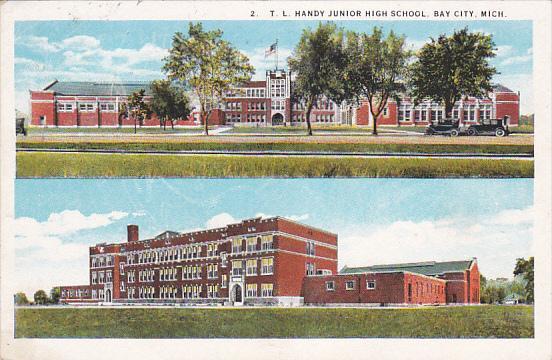 BAY CITY, Michigan, PU-1925; T.L. Handy Junior High School, Classic Car