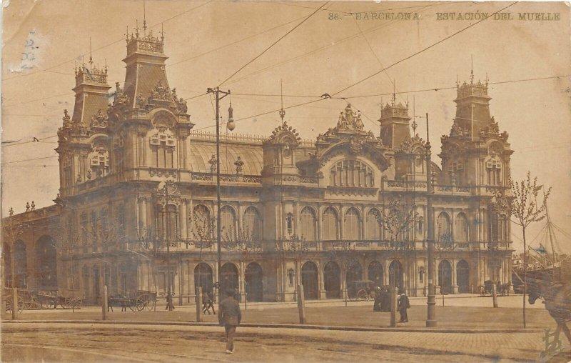 G42/ Foreign RPPC Postcard c20s Barcelona Spain Estacion Del Muelle Building