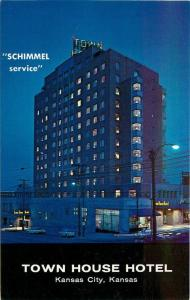 Kansas City Kansas 1950s Town House Hotel Postcard McGrew Night roadside 11594