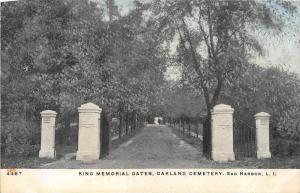 12283  NY Sag Harbor 1904  Oakland Cemetery  King Memorial Gates