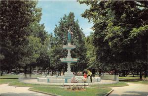 York Pennsylvania~Penn Common Fountain @ Park~Girls & Guy by Pond~1950s Postcard