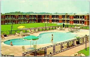 1960s FORSYTH, Georgia Postcard HOLIDAY INN MOTEL Pool Scene I-75 Roadside 1960s