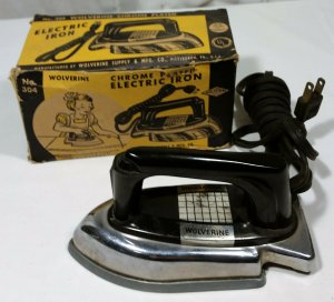 Vintage Sunny Suzy Chrome Plated Electric Iron #304 Pittsburgh Pa Box Works VG