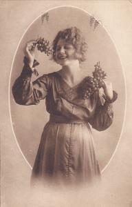 Woman with grapes portrait , 00-10s 1/6