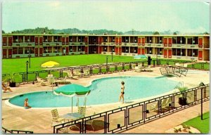 Forsyth, Georgia Postcard HOLIDAY INN MOTEL Pool Scene I-75 Roadside Chrome