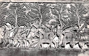 Scene de la bataille a Bayon Siemreap Cambodia, Cambodge Unused
