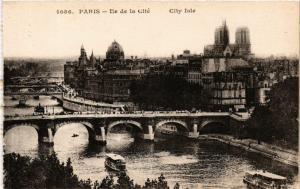 CPA PARIS 1e Ile de la Cité (302750)