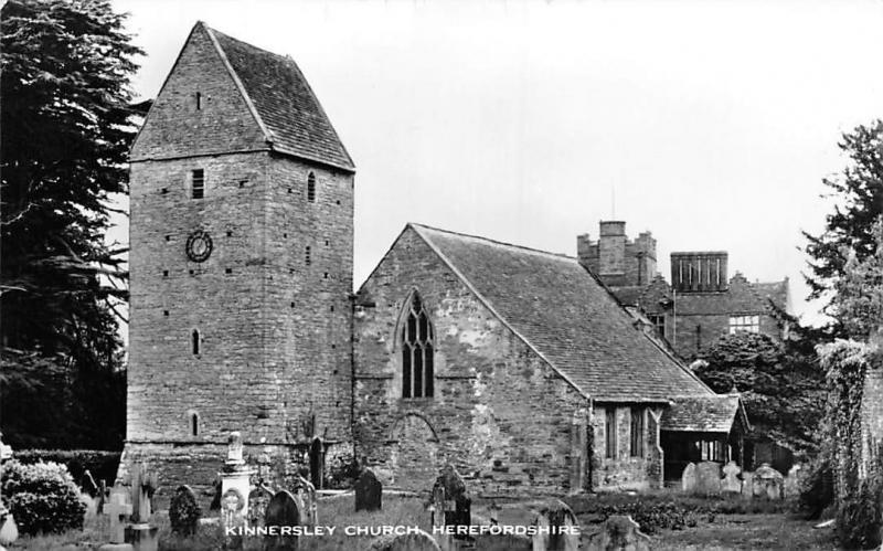 Kinnersley Church Graveyard Kirche Eglise Herefordshire