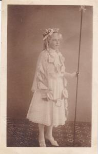 RP: Queen of the Lillies, Empire Day, FLECKNEY,  England, UK, 1910