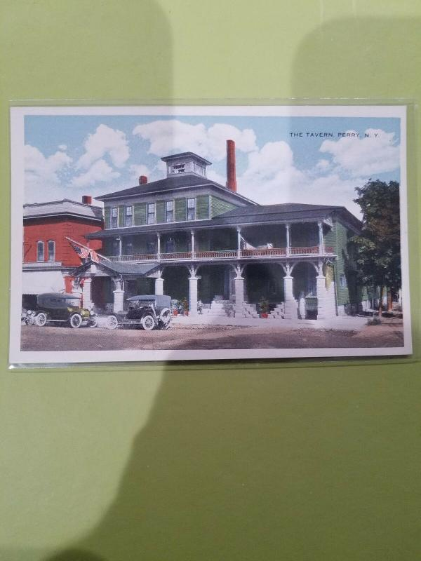 Antique Postcard, The Tavern, Perry NY Ideal 5c and 10c Store Commercialchrome
