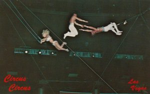LAS VEGAS , Nevada , 50-60s ; CIRCUS CIRCUS, Flying Trapeze Performance