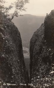 RP: PERCE, Quebec , Canada 10-20s ; La Crevasse, Perce Mountains