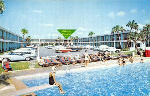Daytona Beach FL Holiday Shores Motel Old Cars Coca-Cola Machine Postcard